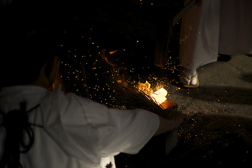 この画像は、サイトの記事「日本刀 製作 おすすめ YouTube視聴無料動画 まとめてご紹介!」のイメージ写真画像として利用しています。