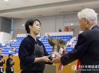 この画像は、サイトの記事「第55回 全日本女子剣道選手権大会 2016 おすすめ YouTube視聴無料動画 まとめてご紹介!」のイメージ写真画像として利用しています。
