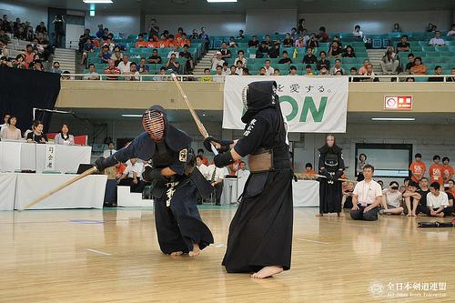 この画像は、サイトの記事「第51回 全国道場少年剣道大会「中学」 2016 おすすめ YouTube視聴無料動画 まとめてご紹介!」のイメージ写真画像として利用しています。
