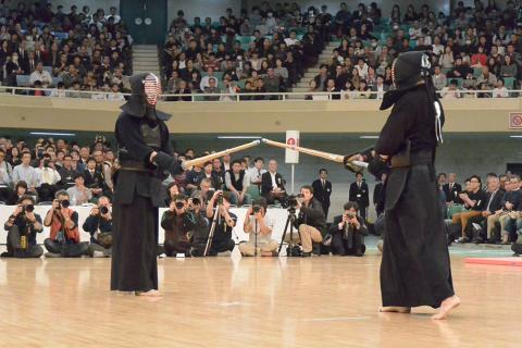 この画像は、サイトの記事「全日本剣道選手権大会 2017 ネットで話題 YouTube注目無料視聴動画ご紹介!」のイメージ写真画像として利用しています。