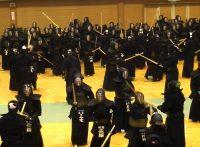 この画像は、サイトの記事「全日本剣道演武大会 朝稽古 おすすめ YouTube視聴無料動画 まとめてご紹介!」のイメージ写真画像として利用しています。