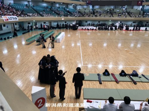 この画像は、サイトの記事「第10回 全日本都道府県対抗女子剣道優勝大会 2018 おすすめ YouTube視聴無料動画 まとめてご紹介!」のイメージ写真画像として利用しています。
