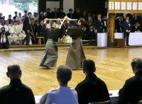 このイメージ画像は、このサイト記事「杖道 演武 おすすめ動画&人気YouTubeランキングまとめ!」のアイキャッチ画像として利用しています。