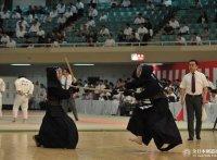 このイメージ画像は、このサイト記事「全国警察剣道選手権大会 おすすめ動画&人気YouTubeランキングまとめ!」のアイキャッチ画像として利用しています。