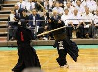 このイメージ画像は、このサイト記事「全日本東西対抗剣道大会 おすすめ動画&人気YouTubeランキングまとめ!」のアイキャッチ画像として利用しています。