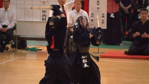 このイメージ画像は、このサイト記事「全国警察剣道選手権大会 2019 おすすめ動画&人気YouTubeランキングまとめ!」のアイキャッチ画像として利用しています。